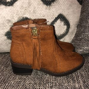 Shoes - Toddler brown swayed boots